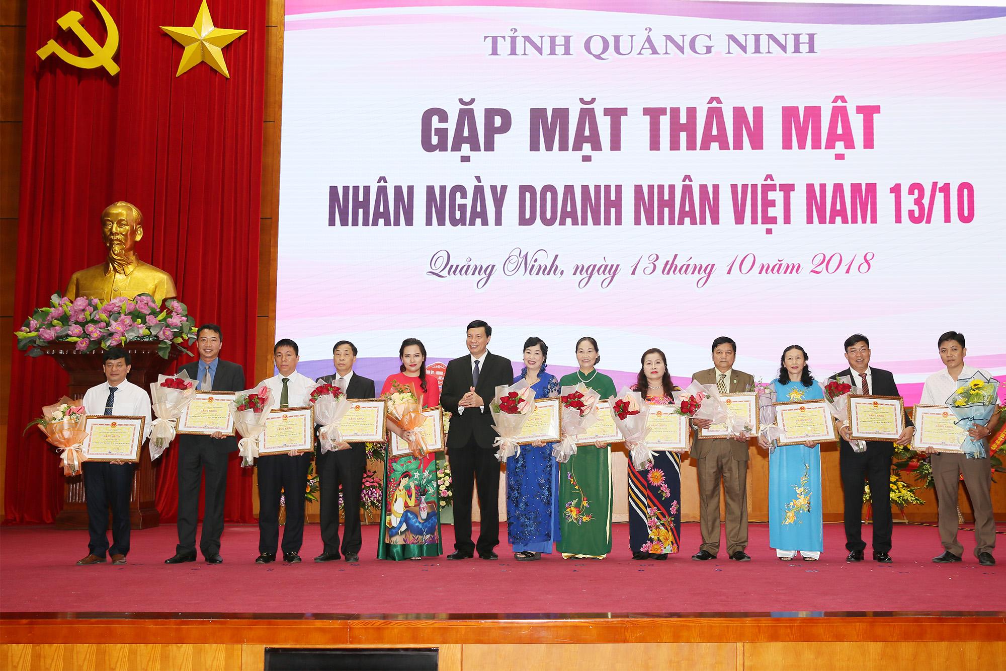 PNS CORP vinh dự nhận bằng khen của Chủ tịch UBND tỉnh Quảng Ninh nhân ngày Doanh nhân Việt Nam 13/10
